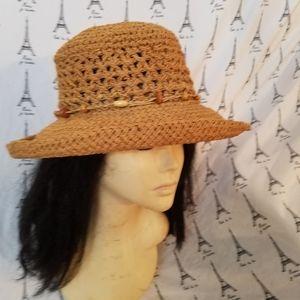 Bass Pro Shop 100% paper Hat